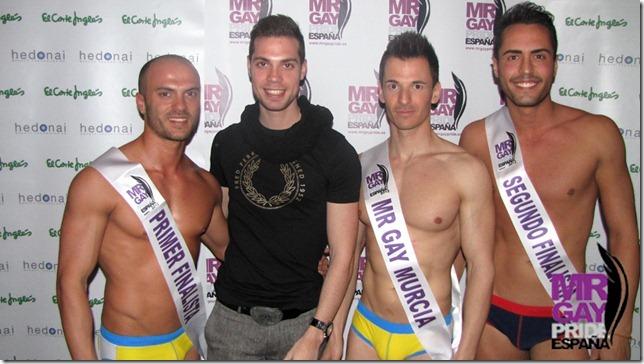 El ganador y los dos finalistas junto a Ángel Cervera, Mr. Gay España 2011